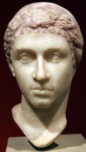 -0035_Altes_Museum_Portrait_Kleopatra_VII_anagoria