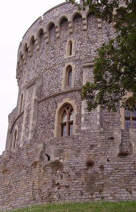 386px-windsor_round_tower_03