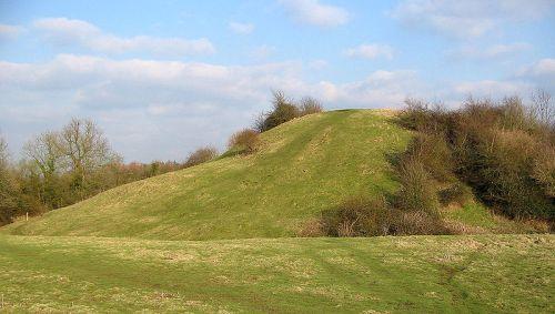 800px-brinklow_castle_mound