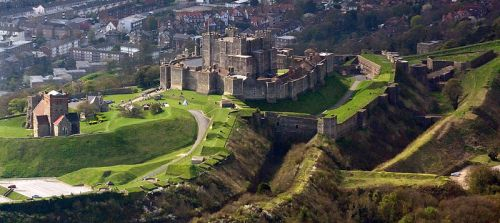 800px-dover_castle_aerial_view