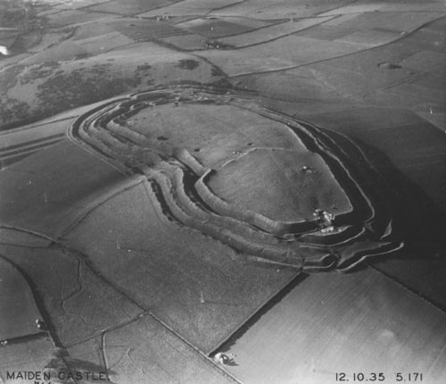aerial_photograph_of_maiden_castle_1935