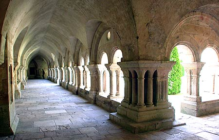 cloisters-jun04-dc4189sar