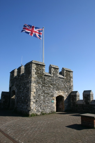 dover-castle-crenellation