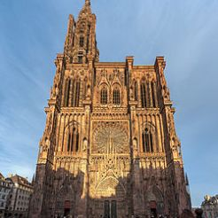 strasbourg_cathedral_exterior_-_diliff